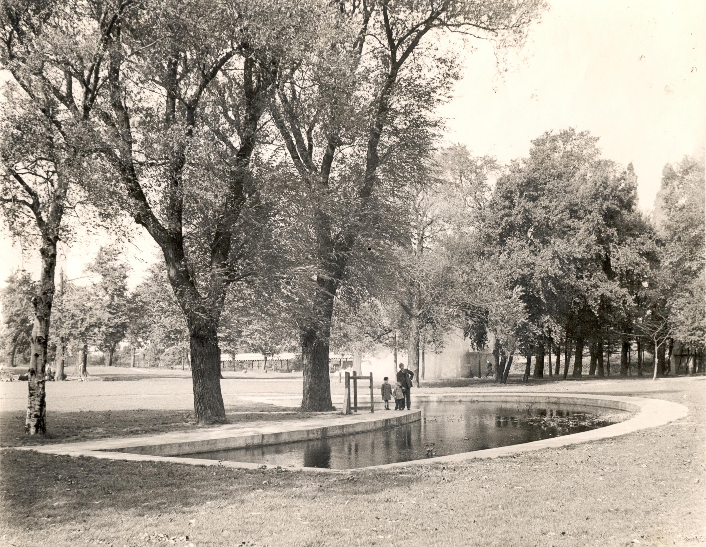 Pond in place of the old lake -1938, Courtesy of Museum of Croydon Collections